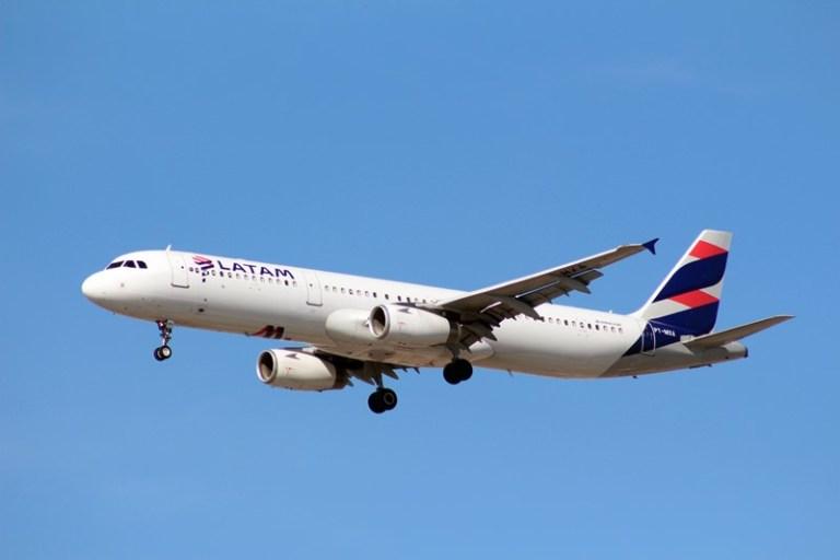 Latam adiciona cerca de 1.200 voos na alta temporada no Brasil