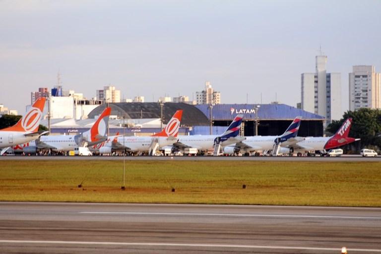 Crise no setor aéreo – Governos tentam ajudar a manter empresas vivas no setor