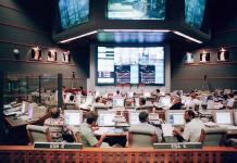 sala principal del Centro de Control Júpiter se supervisan las 24 horas los parámetros de las dos astronaves y del cohete Vega y se dirigirá el lanzamiento del vuelo Vega número 17