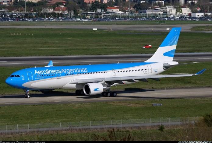 Airbus A330-202 LV-FVI para Aerolíneas Argentinas. Foto reproducida aquí con autorización de su autor, Zaninger Jonathan