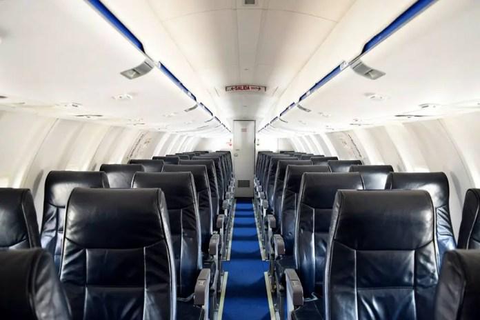 Cabina de pasajeros del CRJ 200 de Amaszonas del Paraguay (Foto: Amaszonas)