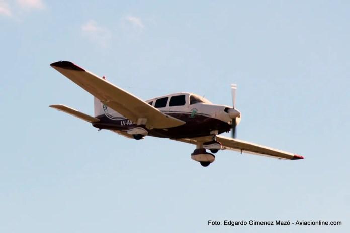 Piper PA-28 Cherokee LV-AXM de la Escuela de Vuelo Corrientes