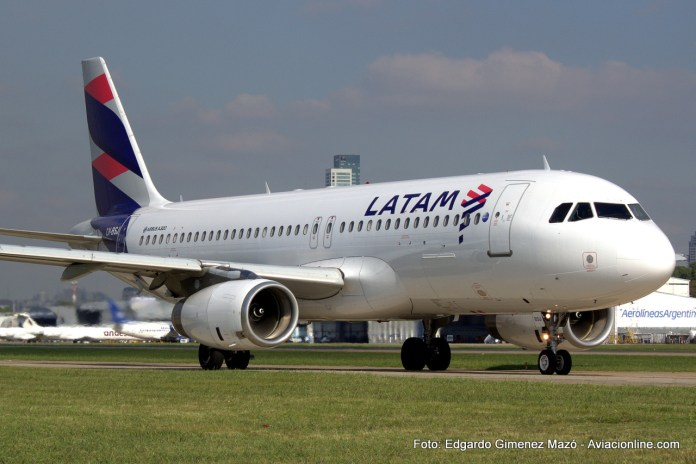 LATAM Argentina - Airbus A320 LV-BSJ