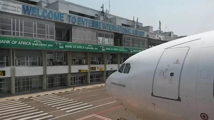 Cuando todavía volaba en A330, en el aeropuerto de Entebbe (Uganda)