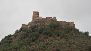 Vista general del castillo de Alconchel
