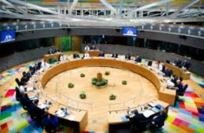 Cimeira UE 16 União Europeia Salvar os móveis sem apagar o fogo 1