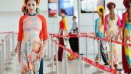 Vietjet celebrates Vietnamese Womens Day with fashion catwalk 29