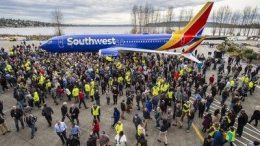 Boeing recognized by Guinness World Records for 10,000th 737 45