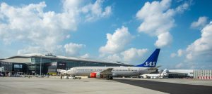 What airlines are green and quiet according to LHR Airport?