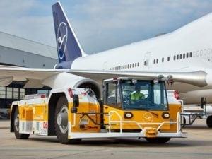 Lufthansa LEOS puts second eTug into operation at Frankfurt Airport