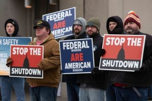 Bill to shield FAA from future government shutdowns welcomed by airlines