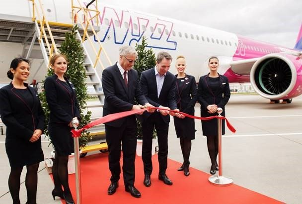 Wizz Air takes delivery of its first Airbus A321neo 1