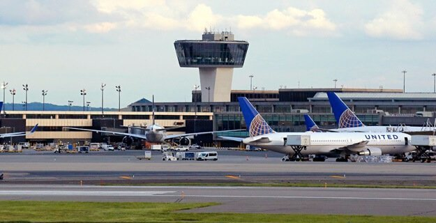 'Airport emergency' leaves all flights grounded at Newark Liberty International Airport 8