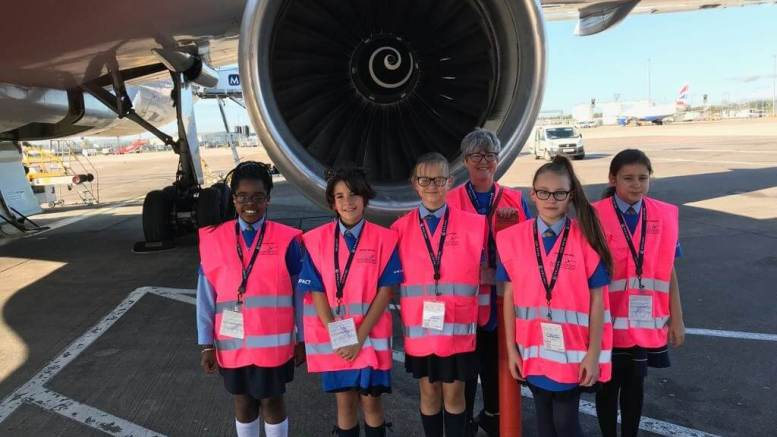 United Airlines promotes career opportunities for women on Girls in Aviation Day 1