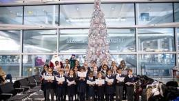 Heathrow Primary students unwrap Christmas at the airport 49