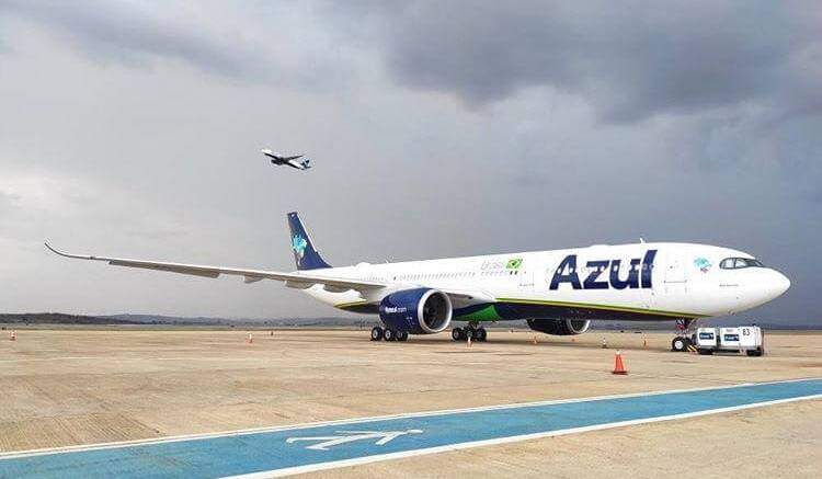 Brazil's Azul flies to New York's JFK Airport 1