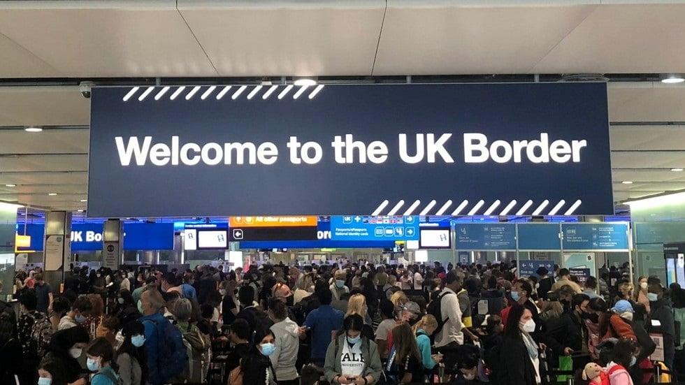 Heathrow chaos: Huge crowds overwhelm understaffed airport 3