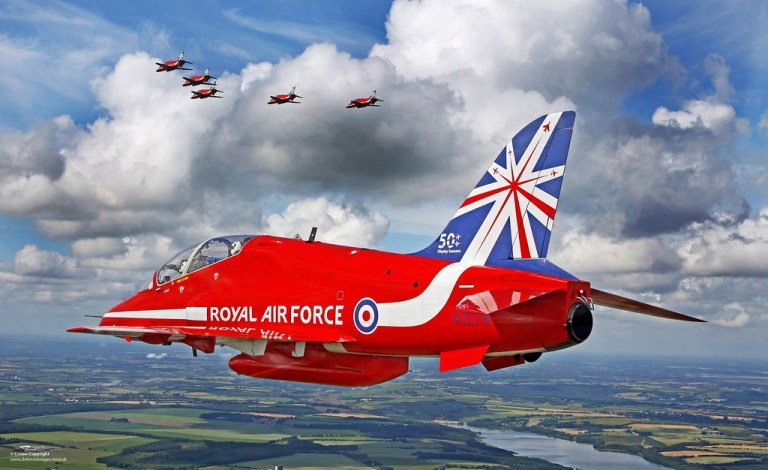 Read more about the article Red Arrows: Kings Of The Sky