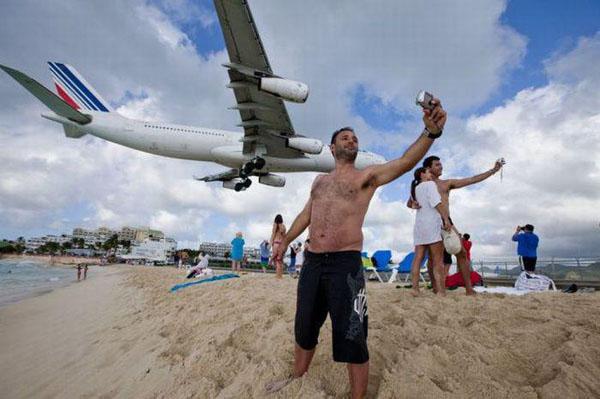famous maho beach st