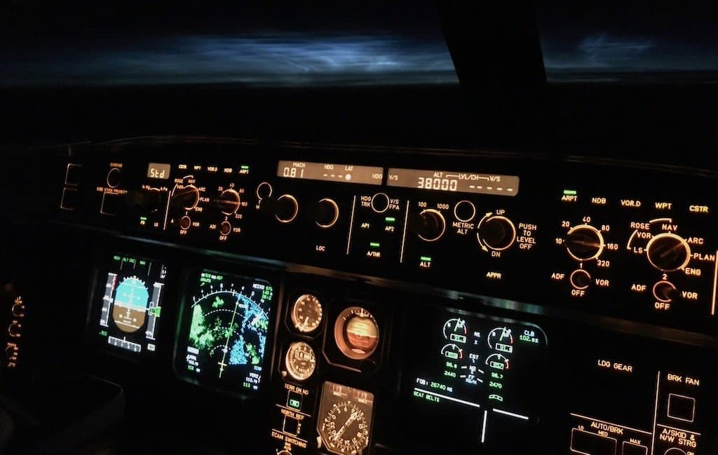 Noctilucent clouds visible from Airbus A330 aircraft flight deck