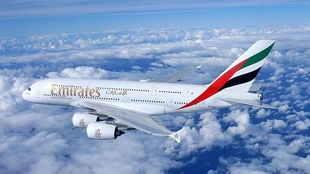 EMIRATES KOMMT MIT DEM A380 NACH HAMBURG