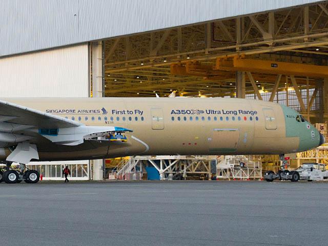 air-journal_Airbus-A350-900-ULR-close