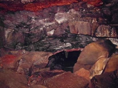 16-Lava-Tube-Caving-in-Leidarendi-Iceland