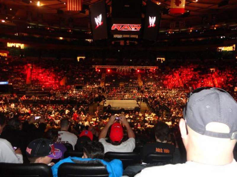 Knicks Iphone Wallpaper Wwe Photos At Madison Square Garden
