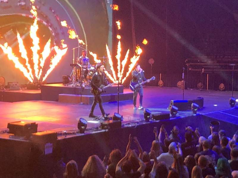 Fall Out Boy Mania Wallpaper Iphone Scottrade Center Home Of St Louis Blues