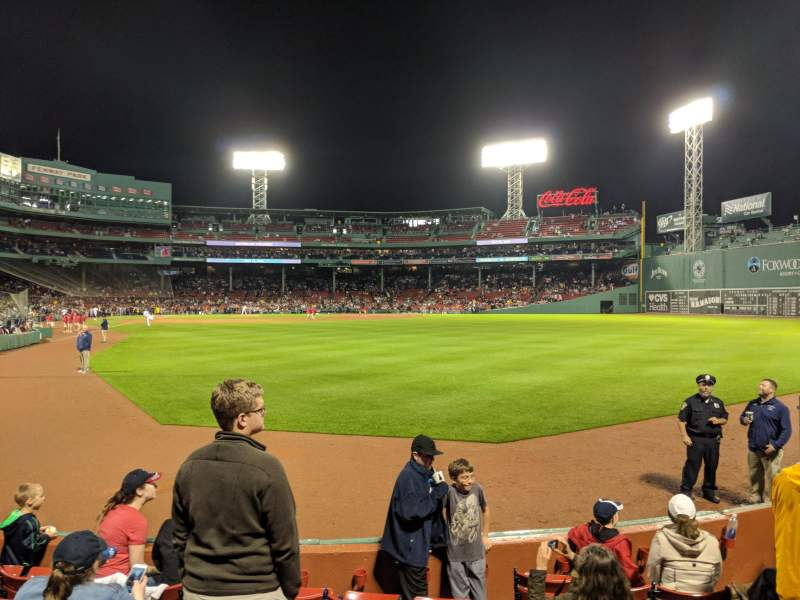 Red Sox Wallpaper Iphone X This Seat Is Near The Bullpen At Fenway Park