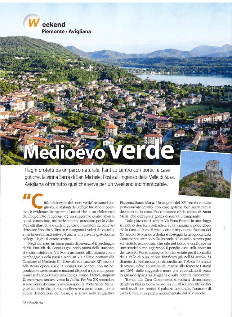 Plein air, la rivista per camperesti e viaggiatori nella natura. La prima pagina del servizio su Avigliana, pubblicato nel numero 555 di ottobre 2018