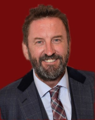 Lee Mack star of Not Going Out to host new quiz show The 1% Club