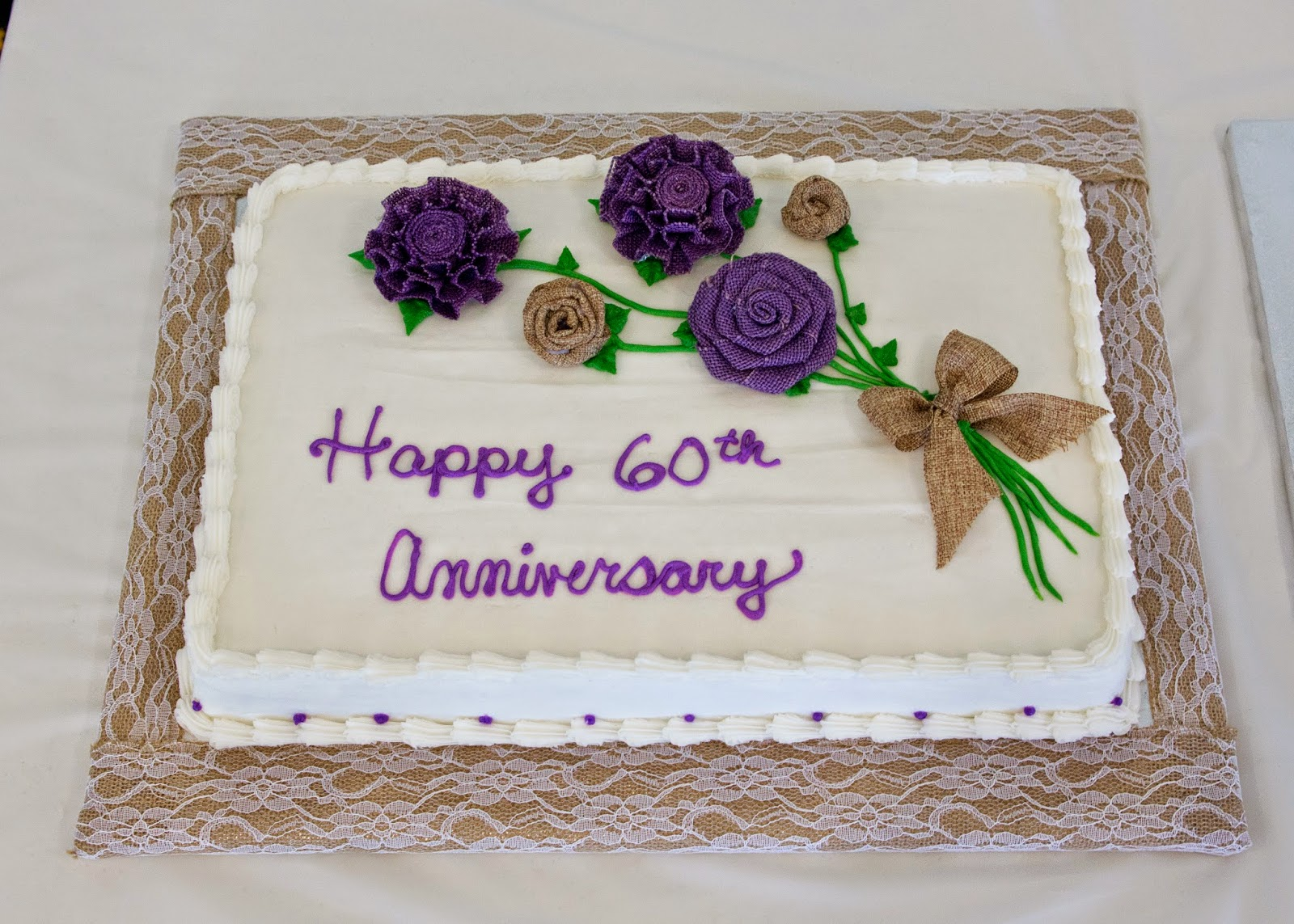 how to plan an anniversary party on a budget