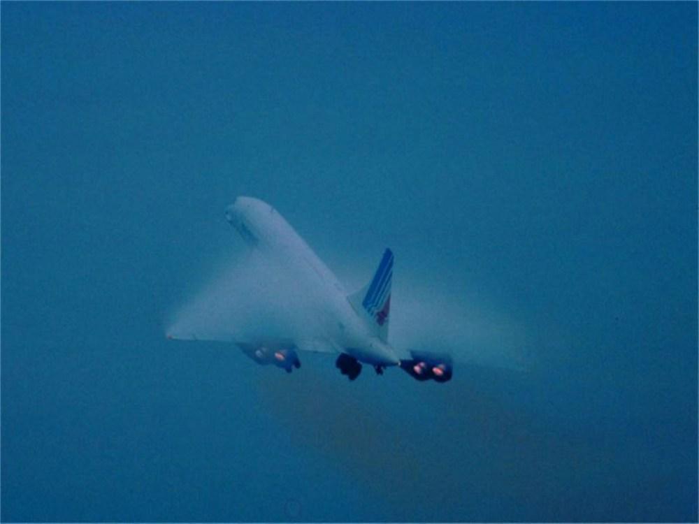 Concorde (Maravilla Tegnológica. Castastrofe Financiera). En Francia, inicia el juicio contra la línea aérea estadounidense Continental y cinco individuos acusados por el accidente de un avión Concord de Air France. (4/5)