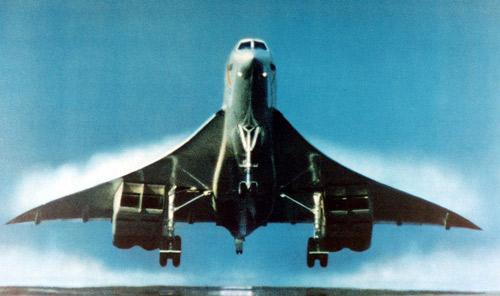 Concorde (Maravilla Tegnológica. Castastrofe Financiera). En Francia, inicia el juicio contra la línea aérea estadounidense Continental y cinco individuos acusados por el accidente de un avión Concord de Air France. (2/5)