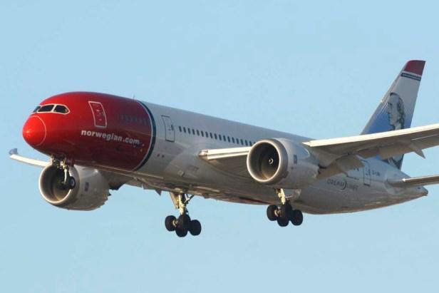Norwegian_Boeing-787.jpg