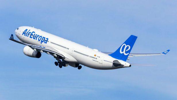 Airbus A330 de Air Europa despegando hacía Latinoamérica