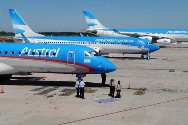 Aviones de Aerolíneas Argentinas y Austral juntos