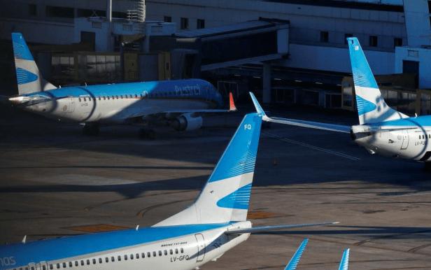 Aviones de Aerolineas Argentinas en el Aeroparque de Buenos Aires