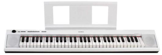 piano YamahaNP12