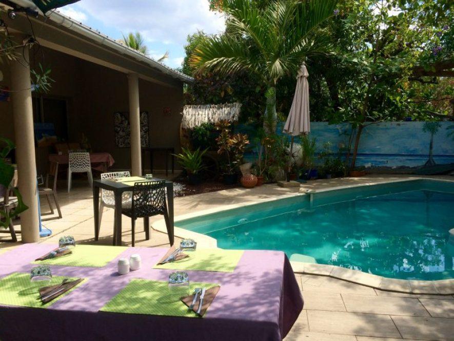 avis-restaurant-la-barque-saint-paul-974-ile-reunion-terrasse