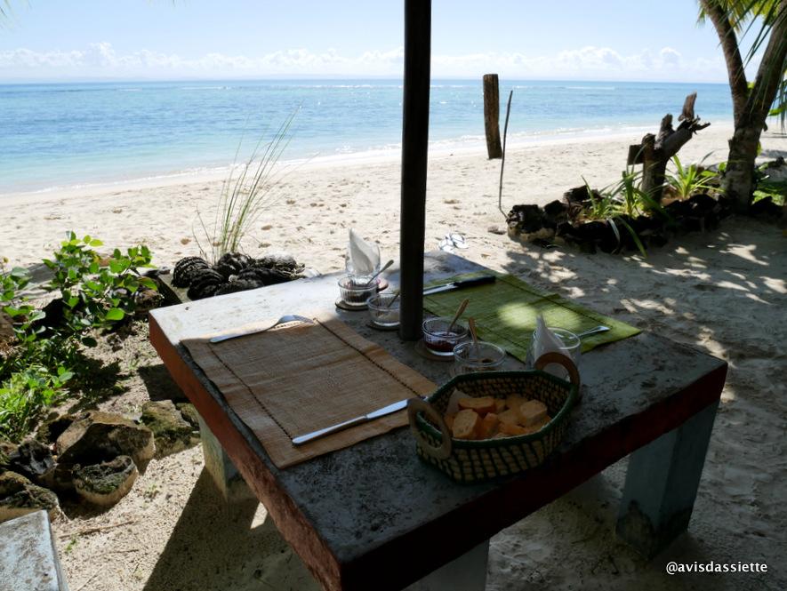 sambatra beach lodge voyage ile aux nattes madagascar terrasse