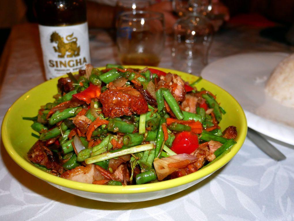 laan duangjan bonne adresse restaurant thai saint paul 974 porc croustillant basilic