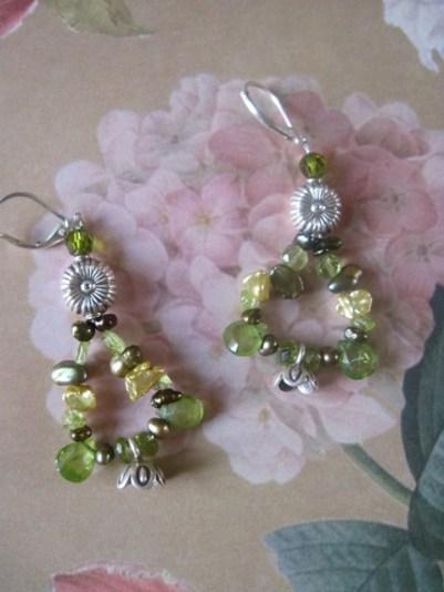 Fling in Bloom Glistening Earrings