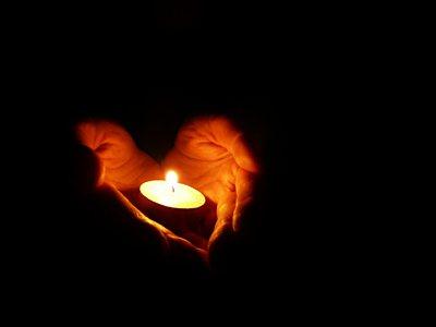 https://i0.wp.com/avivahwerner.com/wp-content/uploads/2015/12/candle_light1.jpg