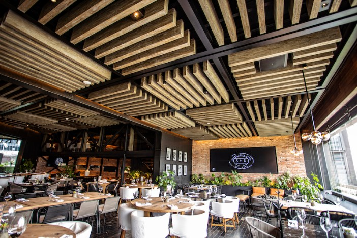 Plánica chooses Bose's EdgeMax loudspeakers for Steakhouse in Mexico City