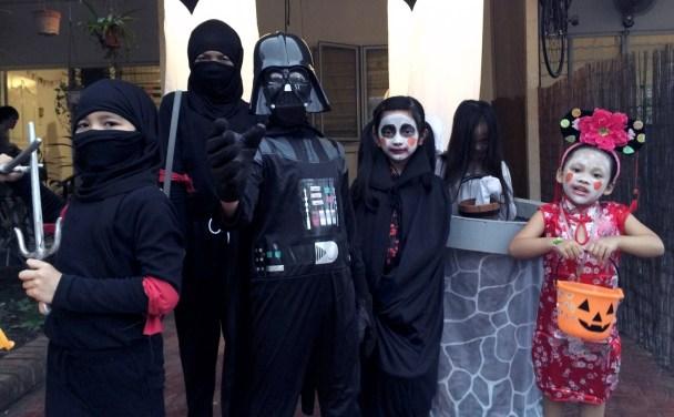 Ninjas, Darth Vader, a Vampire, Sadako and Chinese doll?