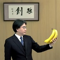 Satoru Iwata with bananas in E3 2012