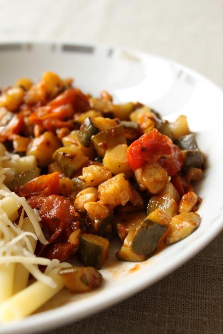 Poêlée courgette tomate romarin