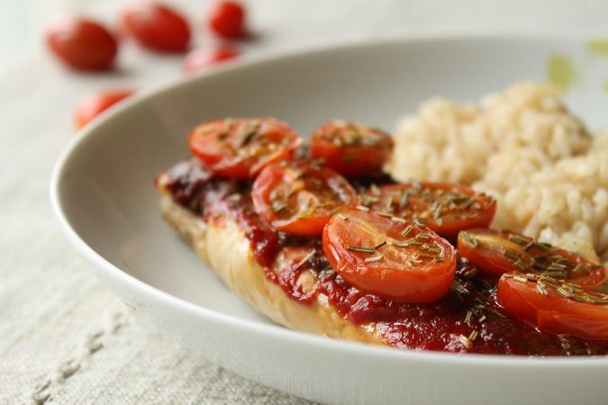 Poulet tomate tapenade romarin